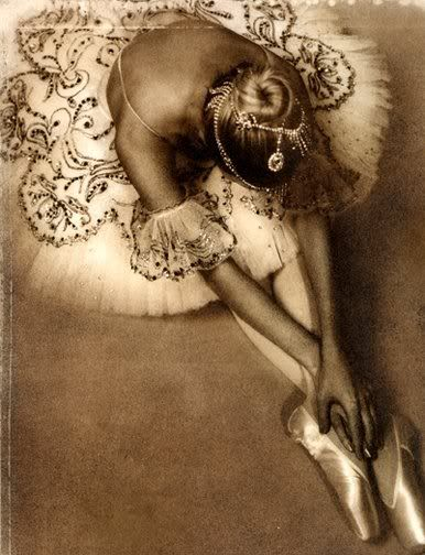 Shimmering Grace: Point Shoes, Ballet Dancers, Tutu, Ballerinas, Art, Beautiful, Beautiful Day, Vintage Ballet, Dreams Life