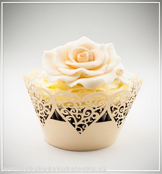 Papír. krajkové košíčky - obaly na cupcakes srdíčka - zlaté perleťové