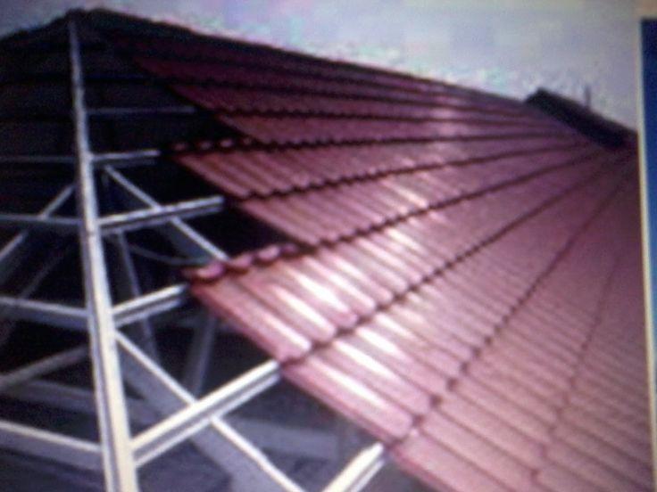Rangka Atap Baja Ringan 0812-5483-7580 menerima pemasangan di Solo, Sragen, Sukoharjo, Karanganyar, Boyolali, Salatiga,Wonogiri, Klaten,Jogja,Semarang. Spesifikasi : Zinkcalume Cnp0,75 (), Reng Mp 0,45 Jarak Kuda-kuda 1,20cm Harga Ter Pasang Rp 125.000/m2 Fix  Kelebihan Rangka atap baja ringan : Keunggulan dari produk kami adalah :      Presisi yang tinggi dan akurat     Anti Karat dan rayap sehingga bebas biaya perawatan     Rapih, aman, tidak merambatkan api     Lebih Ringan dan cepat…