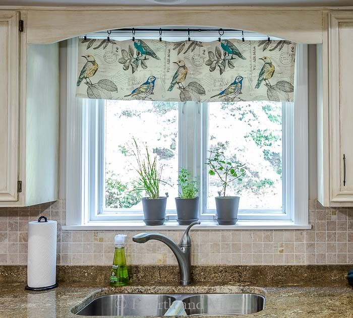 How To Make A Kitchen Window Valance In Under An Hour Kitchen Window Valances Kitchen Curtain Designs Kitchen Window Curtains