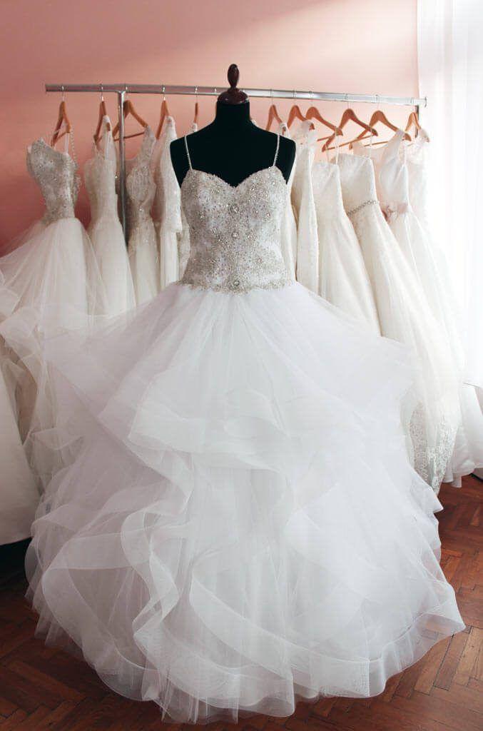 Menyasszonyi ruha fazonok b2bad84bd7