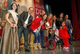 - Alrededor de 4 mil personas se reunieron en el Auditorio Josefa Ortiz de Domínguez. La Presidenta del Patronato del...