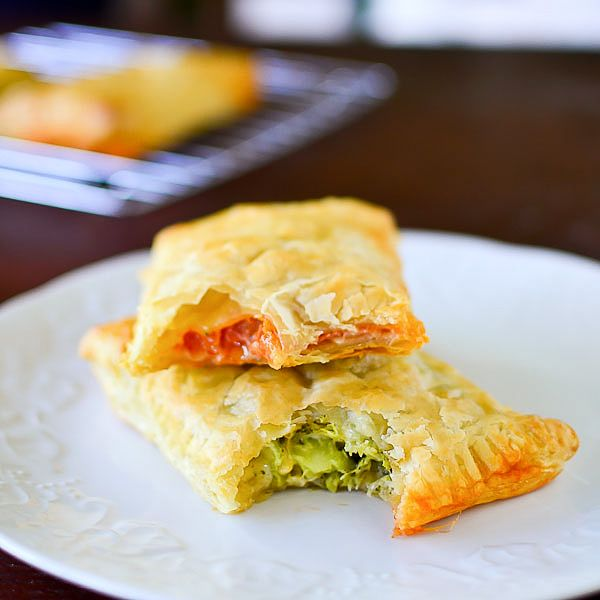Homemade Hot Pockets - I'm making these tonight with Black Forest Ham and Cheddar Cheese. I'm substituting the Filo with Pie Crust, as well, because that's what I have on hand. I'm changing it up a bit, but hopefully with have similar results! Bring on the putzing!