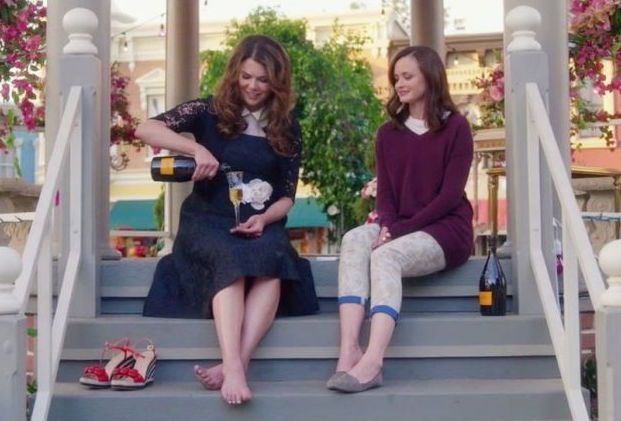 Gilmore Girls: Lauren Graham and Alexis Bledel Respond to Renewal Buzz - April 9, 2017 -  Gilmore Girls fans, you may want to curb your enthusiasm about a potential second revival. | TVLine