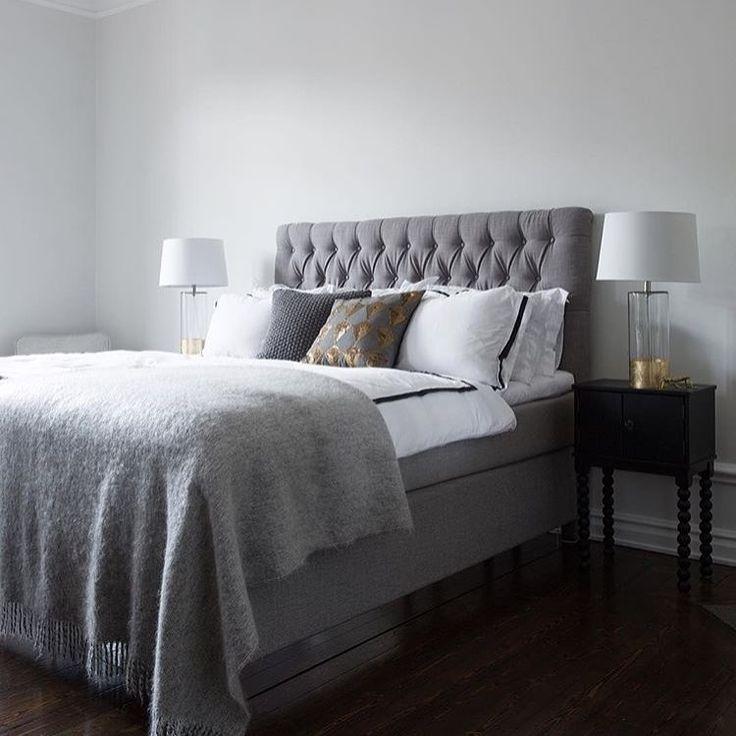 Snygg sovrumsinspo från @inredningsfotografen så grågavel till så grå vägg vill jag ha