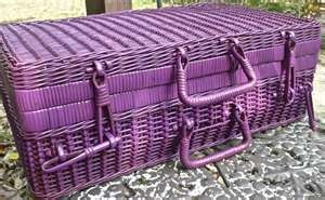 wow, i think i might paint my picnic basket