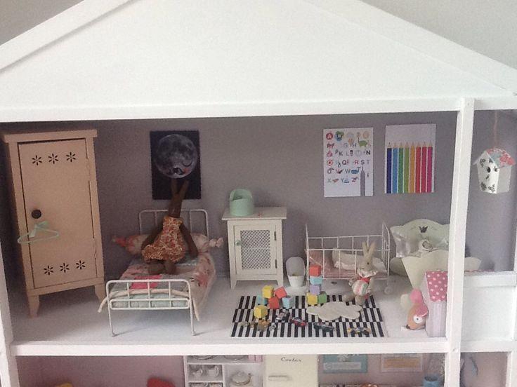 Maileg bunny house - upstairs bedroom