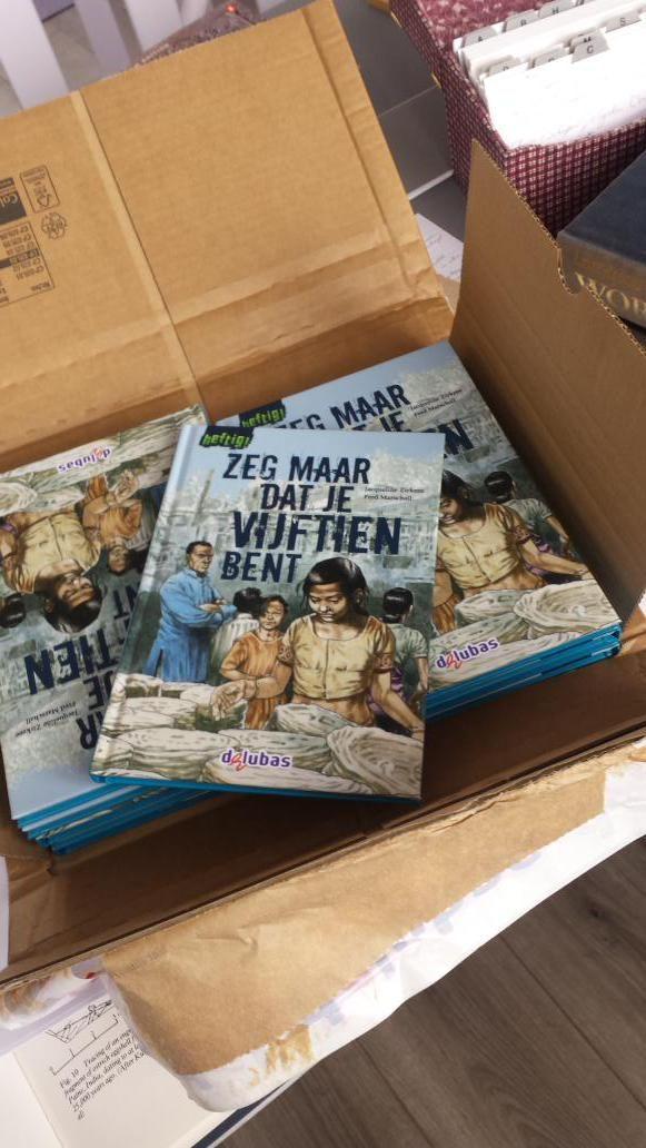 Bedankt voor de auteursexemplaren! Het is inderdaad een heel mooi boekje geworden. @Delubas_nieuws