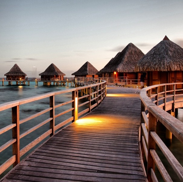 Tahiti Accommodation Over Water Bungalows: 71 Best Overwater Bungalows Images On Pinterest
