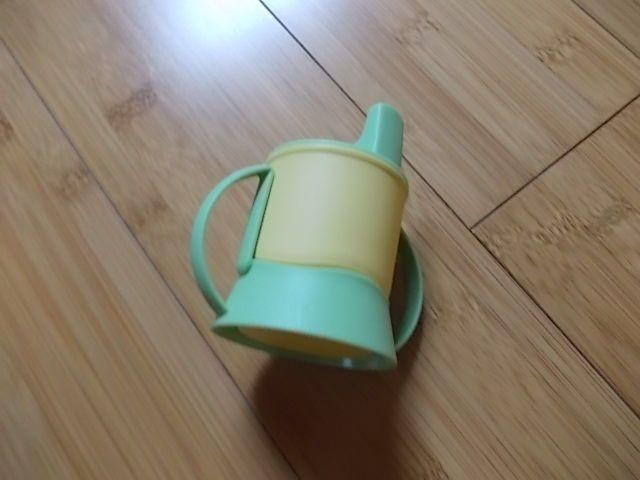 Tupperware Trinklerntasse für Puppen,TupperCare, Puppengeschirr, Spielzeug