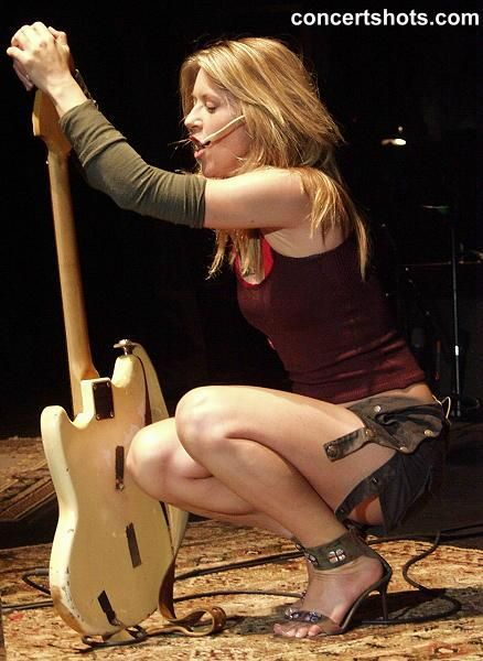 liz phair on stage