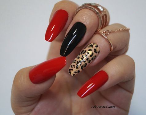 Rote Sargnägel Tierdruck-Stilett-Nägel-Fälschungs-Nägel – bilden Sie – Nägel111