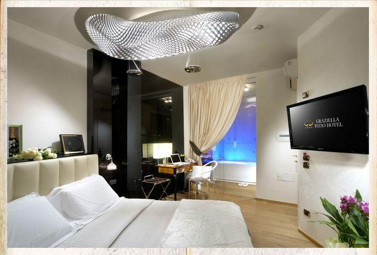 WRT consiglia Graziella Patio Hotel ad #Arezzo. Ogni camera è diversa e magnifiche #jacuzzi vi ...