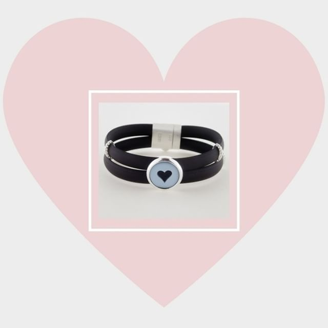 Reveals to her your love with a cameo jewelry!    #donadiojewelry #cameojewelry #bracelet #love