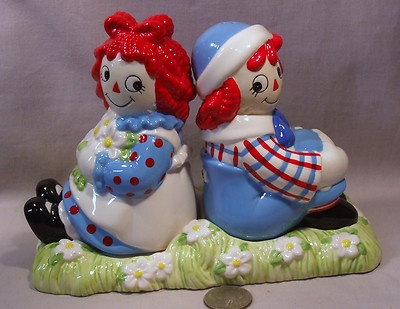New Raggedy Ann Andy on Tray s P Shakers