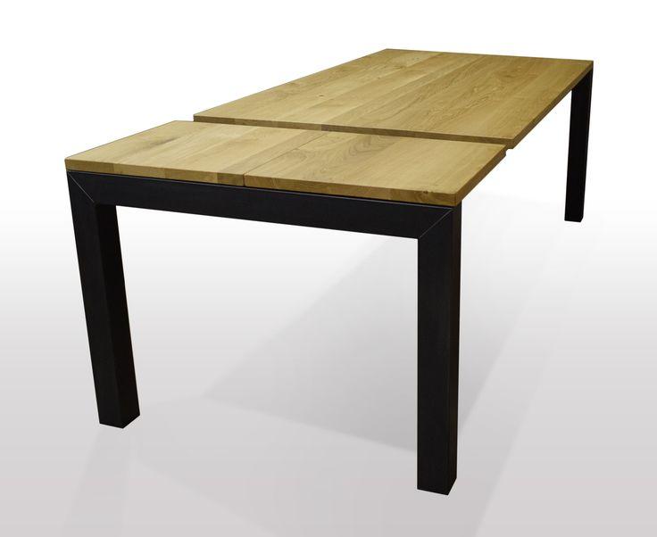 Esstisch Eiche massiv Ausziehbar. Ausführung Cube mit Schwarzstahl Profil unter der Tischplatte abschließend. erweiterbar per Kulissenauszug um 2 x 50 cm mit integrierter Butterfly Technik. Hergestellt nach Maß