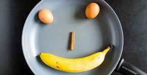 Pannenkoeken met ei en banaan: zo simpel kan het zijn. Ik weet dat het wat vreemd klinkt, maar (en dit is echt waar) iedereen, ja IEDEREEN, die deze probeert, vindt ze lekker! Maar eerst: wat heb je nodig? Da's heel simpel. Per persoon neem je: 1 banaan 2 eieren 1 tl kaneel Daar kan [...]