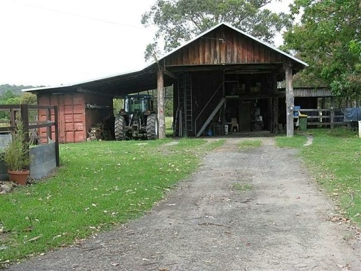 Farm shed incorporating shipping container property for Farm shed ideas