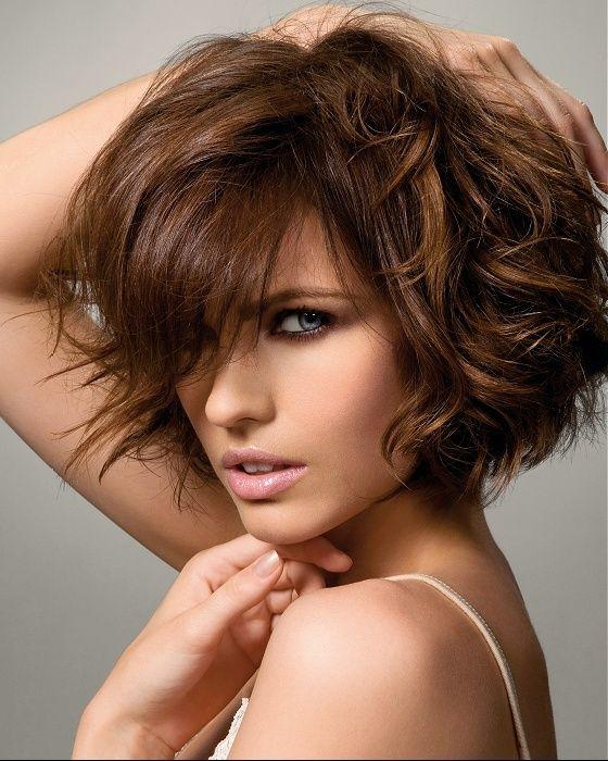 coiffure carre court ondule