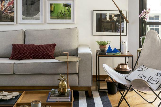 Apenas com uma decoração prática, muitas plantas e uma ampla sala de estar   – sala de jantar