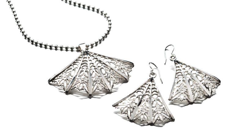 Carina Blomqvist, Bianca pendant and earrings, http://www.carinablomqvist.fi/