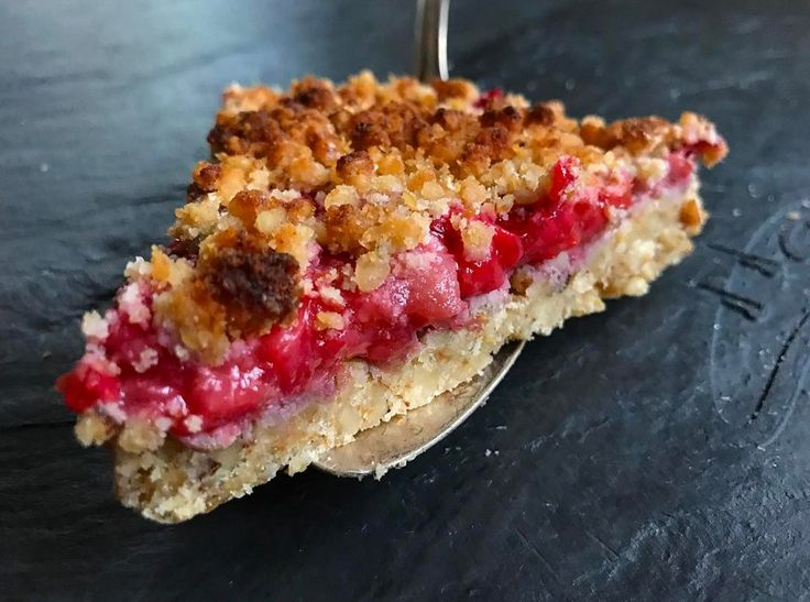Keto Strawberry Rhubarb Crumble {Grain-Free, No Sugar Added} - WickedStuffed Keto Blog
