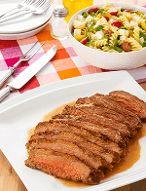 Churrasco de fraldinha na mostarda com salada de macarrão por Academia da carne Friboi