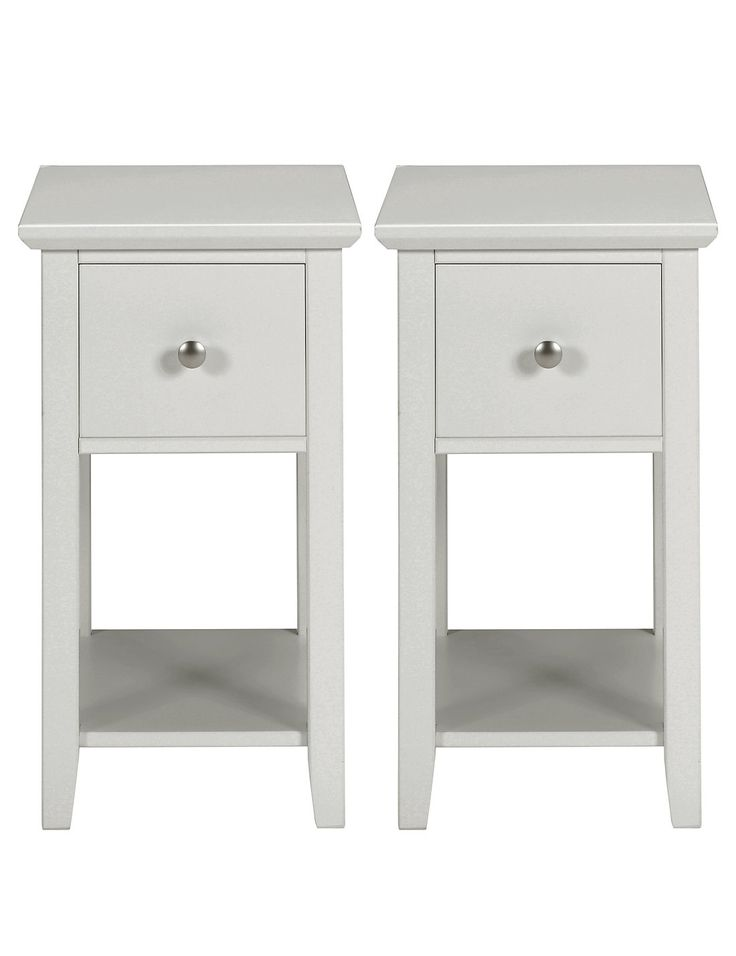 best 25 small bedside tables ideas on pinterest night. Black Bedroom Furniture Sets. Home Design Ideas