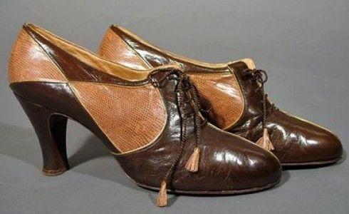 Beautiful diamond patterned leather pumps, WW II era.