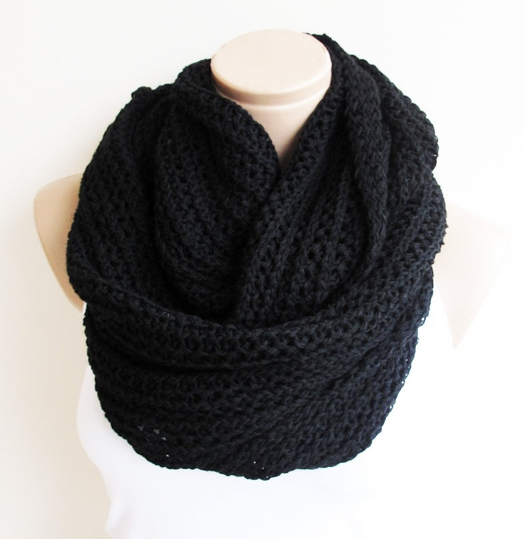 Knitting Chunky Scarves : Black chunky lnfinity knitted scarf soft and warm loop
