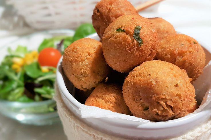 Le polpette di ceci, pane e formaggio sono una valida alternativa alle classiche polpette di carne. Ecco la ricetta ed alcuni consigli utili