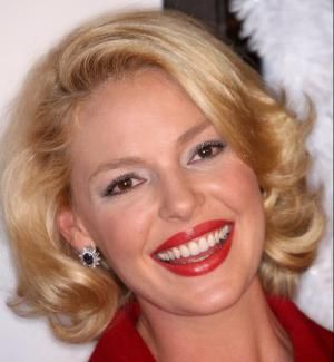 16 Gorgeous Photos of Celebs with Blonde Hair: Famous Blondes: Katherine Heigl