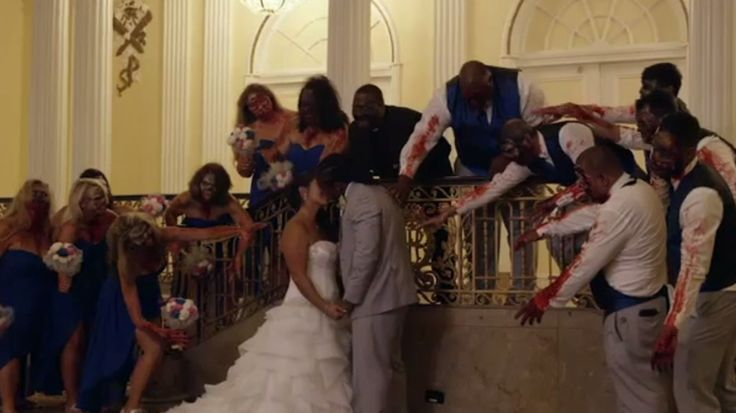 Steelers running back DeAngelo Williams had a 'Walking Dead' wedding photoshoot Image: twitter deangelo williams  By Max Knoblauch2016-07-31 16:10:18 UTC  Would you still walk down the aisle if it was filled with walkers?  For Steelers running back DeAngelo Williams the answer to that question is a resounding yes. The NFL player and more importantly Walking Dead fan held a zombie-themed photoshoot modeled after his favorite show.  ESPN produced a video documenting the photoshoot which…