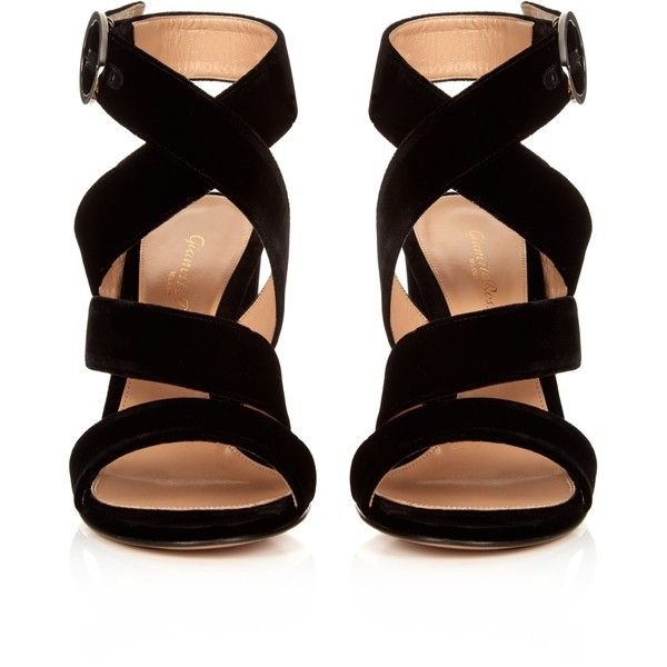 Gianvito Rossi Rylee velvet sandals (£595) ❤ liked on Polyvore featuring shoes, sandals, black strappy shoes, velvet sandals, black strap sandals, black shoes and block heel strappy sandal