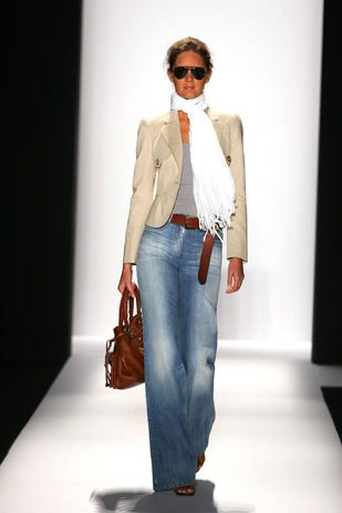 Spring or fall - street style - flare jeans + nude blazer + brown accessories