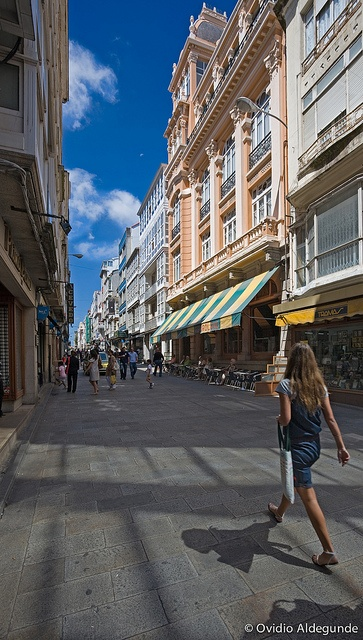 Barrio de la Magdalena de Ferrol: de compras by FERROLturismo, via Flickr