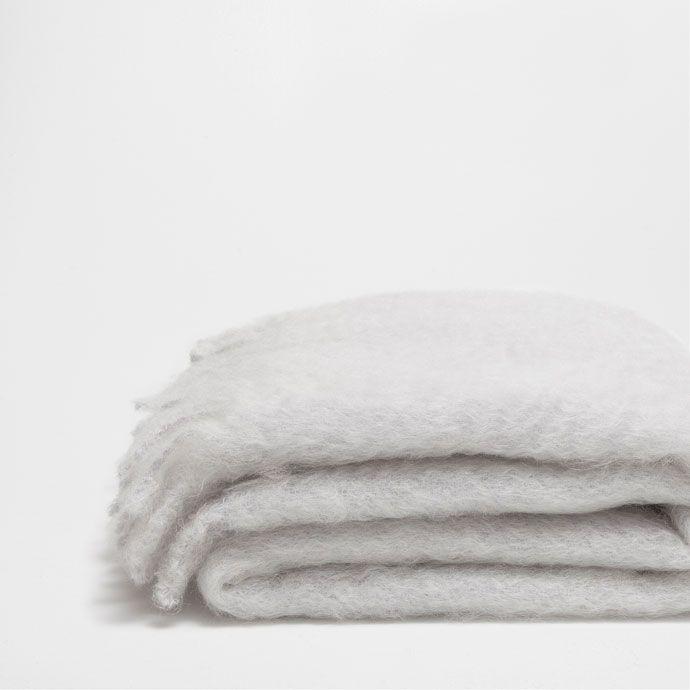 SILVER MOHAIR BLANKET WITH FRINGE - Blankets - Bedroom   Zara Home Sverige…