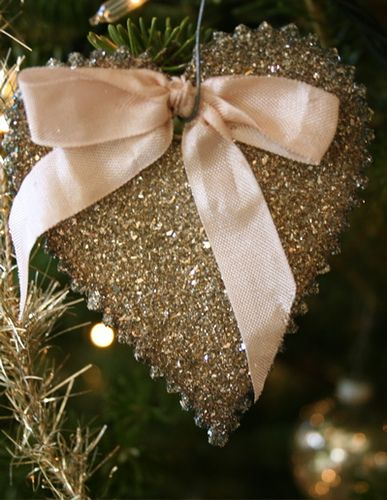 ♕ Wendy Addison glass glitter ornament ~ I've just started using glass glitter this year, and the tarnished look is gorgeous