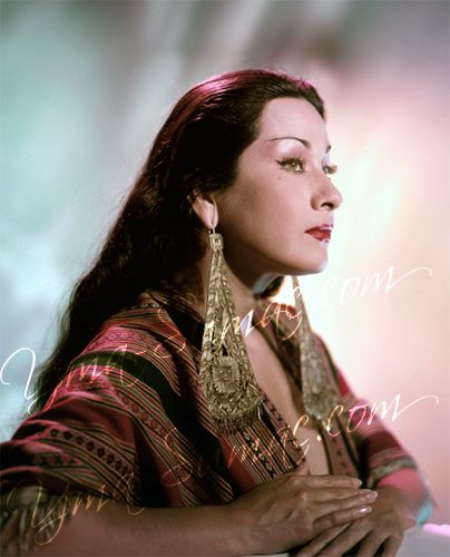 Yma Sumac She had one of the most outstanding ranges of any singer, they called her bird lady since her high notes were in the range of birds.........absolutely incredible