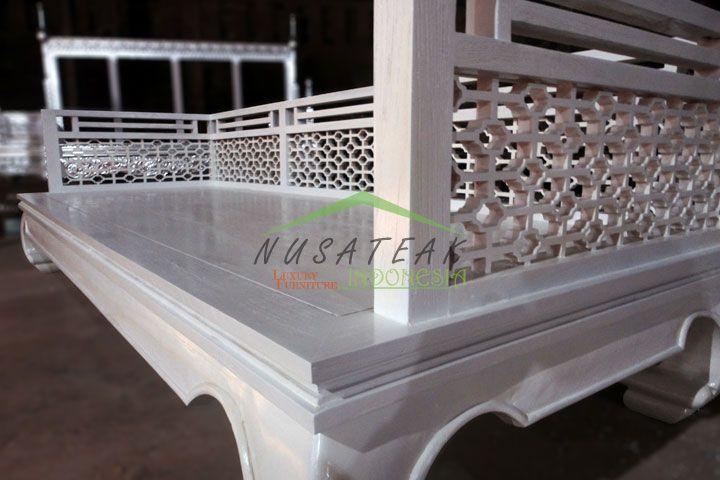 Rancasan Whitewash Antique Sofa | Luxury Furniture From Indonesia