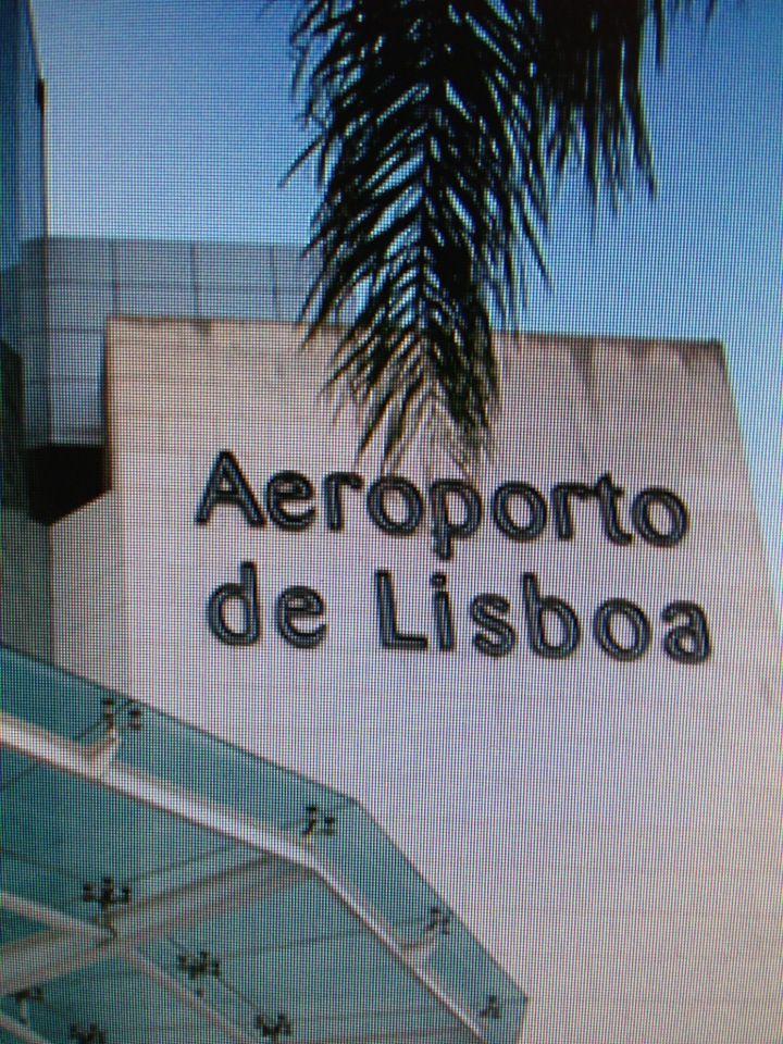 Aeroporto de Lisboa (LIS) in Lisboa  http://www.neoexperience.es/en/lisboa/lisboa-card?utm_source=afiliado&utm_medium=enlace%2Bweb&utm_campaign=programa%2Bde%2Bafiliacion&af=8AE5E617
