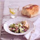 Een heerlijk recept: Komkommersalade met feta munt en dille