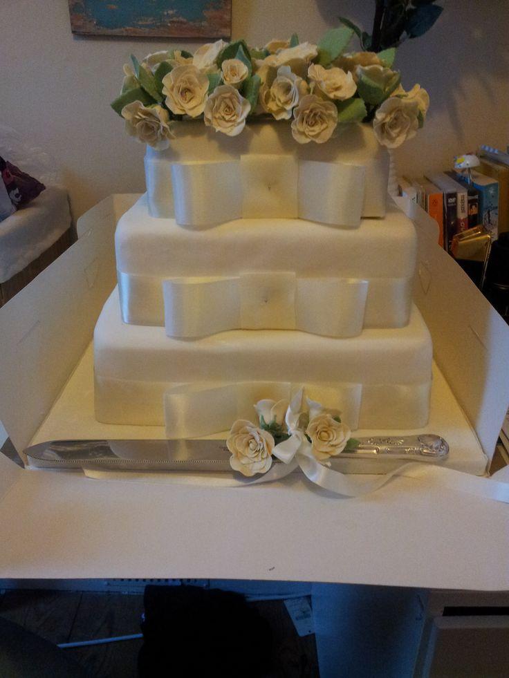 Ivory & Green Wedding Cake