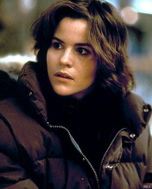 In 5th Grade my first crush was Ally Sheedy from the Breakfast Club.   #80s # breakfastclub