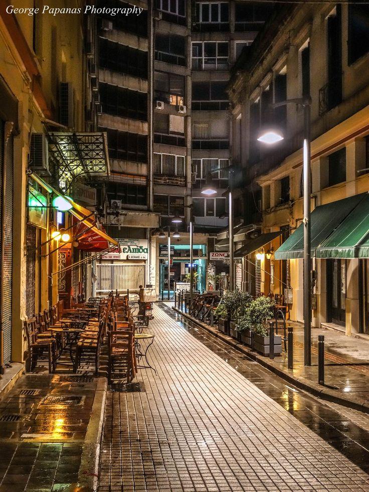 Νυχτοπερπατήματα... Οδός Συγγρού,  Θεσσαλονίκη... Thessaloniki