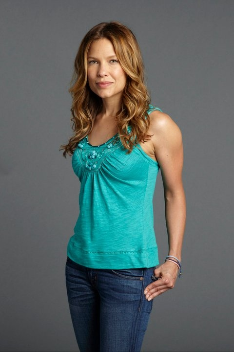 THE GLADES - Kiele Sanchez
