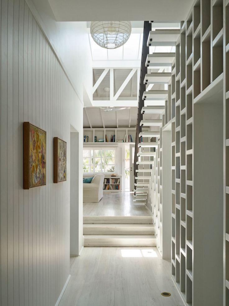 Beach House On Stilts, Collaroy, 2015   Luigi Rosselli Architects