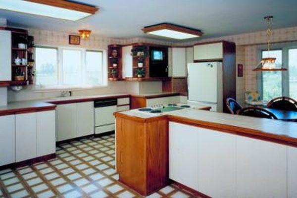 How To Remove Spray Paint Form Vinyl Flooring Linoleum Flooring Kitchen Flooring Painted Vinyl Floors