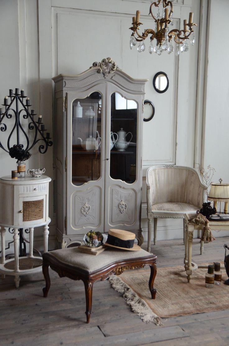 アンティーク フレンチ フランス インテリア 家具 キャビネット 部屋 コーディネート antique furniture french interior france cabinet room coordinate