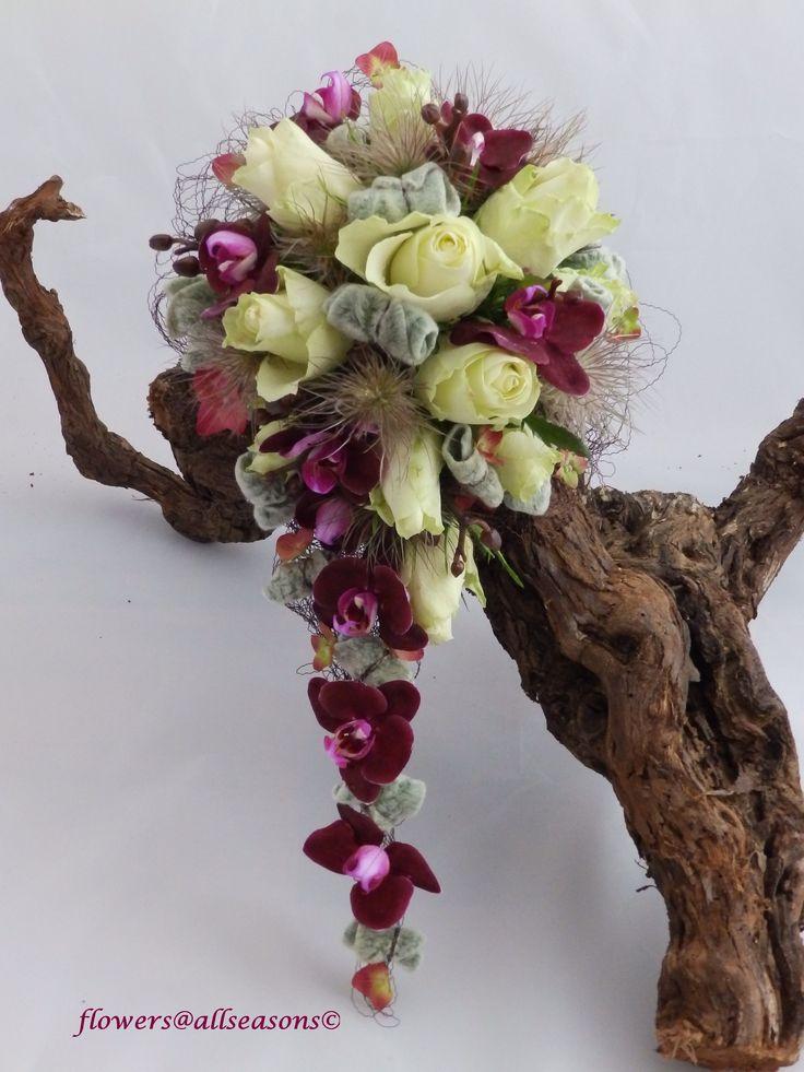 bruidsboeketje druppelvormig met orchidee